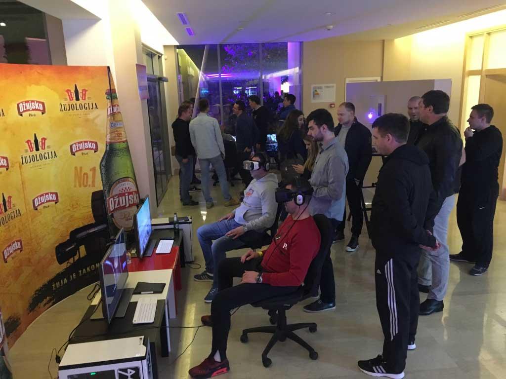 Kompletno vodstvo zabavljanje gostiju kroz VR simulacije